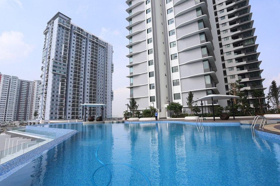 Bể bơi chung cư The Zen Gamuda
