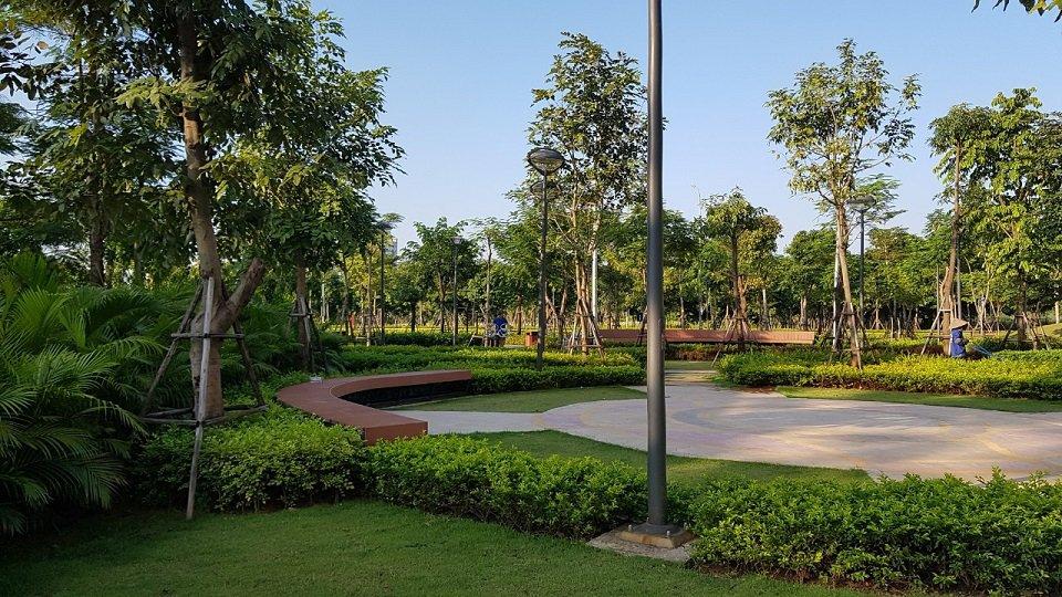 Cây xanh, khu vui chơi trong công viên gamuda